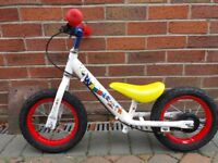 Apollo whizzer balance bike