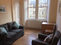 Lovely two bedroom 2nd floor flat in Comely Bank