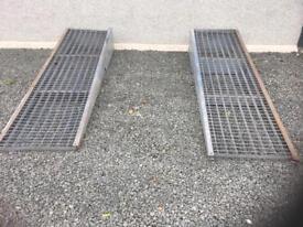 Set of galvanised ramps car van jeep ramp lift