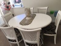 Beautiful table & chairs, perfect 4 xmas,