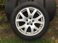 Range Rover alloy wheels with tyres