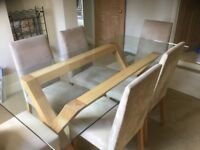 Beautiful glass dining table & 6 faux suede dining chairs in good condition
