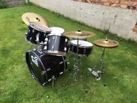 Drum Kit with Paiste Symbols