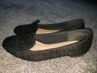 Black size 6 shoes