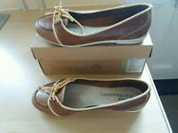 Timberland shoes size 6