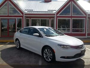 2015 Chrysler 200 SPORT !! HEATED LEATHER SEATS!! POWER DRIVERS
