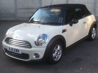Mini One Convertible 2011 1.6 Creme Excellent condition