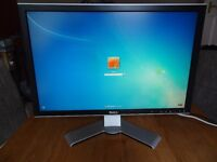 "Dell UltraSharp 2407WFP 24"" Widescreen LCD Monitor - Good Condition, working, no dead pixels"