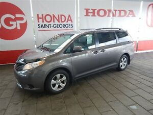 2014 Toyota Sienna 7 PASSAGERS SPACIEUX FIABLE