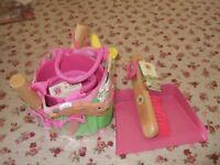 NEW - Little Pals childrens Gardening Set, Pink + Dustpan and Brush, Pink