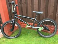 "Boys 20"" bike bmx mongoose like new can deliver for a small charge"