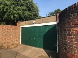 HUGE GARAGE available for storage and parking | Balham (SW12)