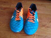 Football Boots Kids UK 8 - Nike Tempo