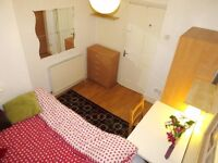 Lovely double bed room.