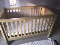 Horizons Nursery Furniture Set [MAMAS & PAPAS]