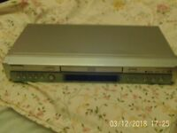 dvd player toshiba silver with remoute