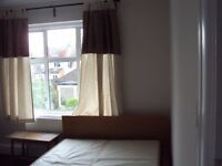 Nice double room w big wardrobe in female House