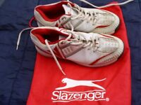 SLAZENGER ELITE PRO CRICKET SHOES/ TRAINERS AND SPIKES SIZE 8