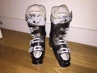 Atomic Women's Ski Boots (size 24.5 Mondopoint, 5.5 UK, 7.5 US)
