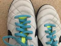 Unisex Nike AstroTurf Trainers Size 5.5