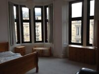 THREE BEDROOM SPACIOUS SECOND FLOOR FLAT AVAILABLE ON BYRES ROAD IN HEART OF THE WEST END OF GLASGOW