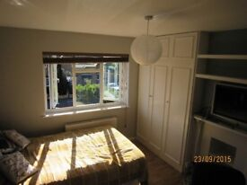 Two single rooms in a nice ,clean hause with big garden. £590 £515 pm no bills!!!