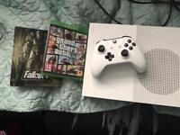 Xbox one s (hardly used)