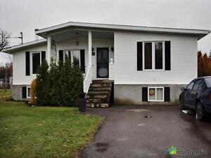 240 000$ - Bungalow à vendre à Lac-Kénogami Saguenay Saguenay-Lac-Saint-Jean image 2