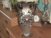 vase with diamontes, blingy !