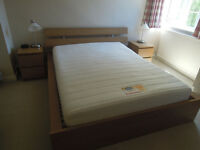 Kingsize Bed, Mattress & 2 Bedside Tables