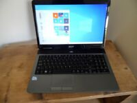 Aser Aspire Laptop in Excellent Condition with fresh install of Windows 10 and Office 16