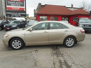 2007 Toyota Camry LE SUPER CLEAN!