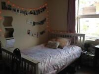 Double room on Gloucester Road (by The Arches) 410pcm all in
