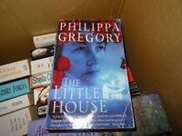 THE LITTLE HOUSE - PHILIPPA GREGORY - PAPERBACK BOOK