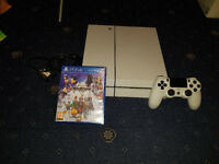 Sony PlayStation 4 500GB White Console Bundle PS4