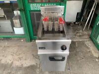 LINCAT GAS 2 BASKET FRYER CATERING COMMERCIAL KITCHEN FAST FOOD SHOP KITCHEN