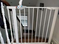 Lindam easy-fit plus deluxe baby gate incl staircase fixing and extension