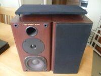 2 x genexxa hi fi bookshelf speakers