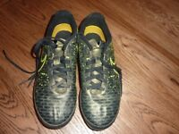 Boys Nike Football Boots Magista Trainers Size 5