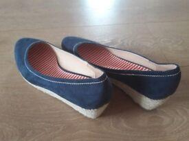 Ladies Blue Wedges size 8