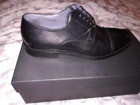 Hugo Boss Black leather men's formal shoe. Size 7UK
