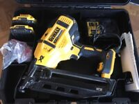 DE WALT 2nd fix nail gun