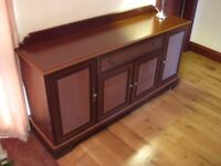 SIDEBOARD IN EXCELLENT CONDITION