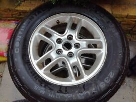 """Land Rover Discovery 17"""" Alloy Wheels and New tyres"""