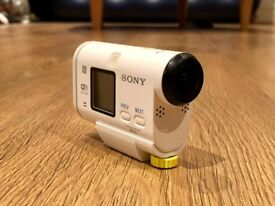Sony Action Cam HDR-AS200VR 12.8 MP with Live View Remote & 32GB Memory Card