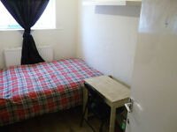 Superb Double Room - Close to Canary Wharf - Bills Included - ***Move In Today!***