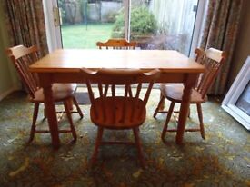 Solid Pine Dining Table and Four Chairs in excellent condition