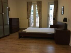 Large double room in great location