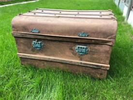 Gone - Metal chest