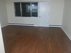 1 BEDROOM W BALCONY HALIFAX  NORTH END RENOVATED MARCH 1ST